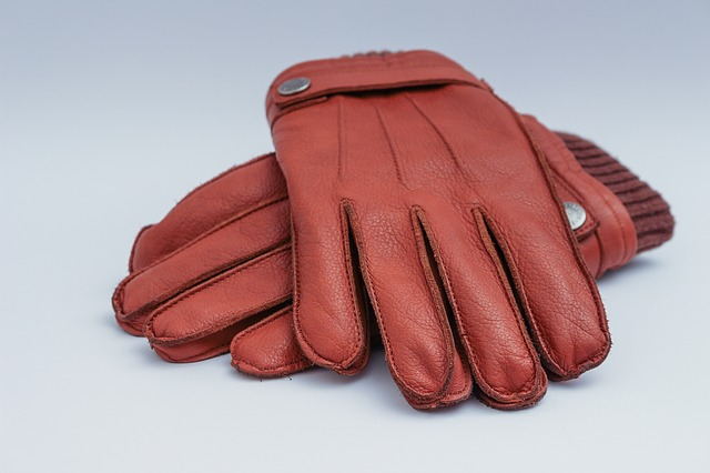 Leather brings durability to new weatherproof winter gloves